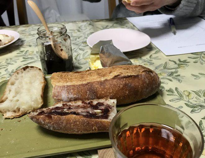 朝食にはtartine タルティーヌ