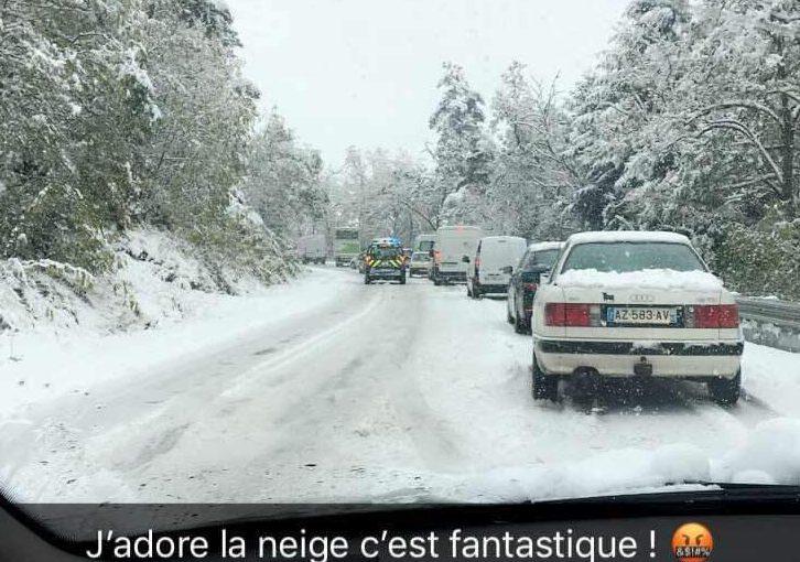 フランスでは10月に雪が!